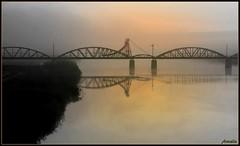 The bridge (Armelle85) Tags: extérieur nature paysage pont eau rivière portugal brume matin lever de soleil