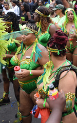 DSC_8188a Notting Hill Caribbean Carnival London Exotic Colourful Green and Turquoise Costume with Ostrich Feather Headdress Girls Dancing Showgirl Performers Aug 27 2018 Stunning Ladies (photographer695) Tags: notting hill caribbean carnival london exotic colourful costume girls dancing showgirl performers aug 27 2018 stunning ladies green turquoise with ostrich feather headdress