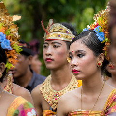 IMG_6691-tr (JLBenazra) Tags: bali cérémonie sawan indonésie costumes