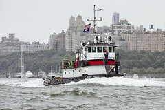 r_180909214_beat0075_a (Mitch Waxman) Tags: 2018greatnorthrivertugboatrace hudsonriver manhattan tugboat workingharborcommittee newyork