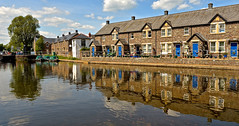 BRECON CANAL (chris .p) Tags: nikon d610 view brecon wales canal spring 2018 reflections houses boats capture uk may trees tree
