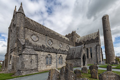 St. Canice´s Cathedral & Round Tower / Kilkenny / Ireland (Marc Wildenhof) Tags: kilkenny stcanicescathedral kathedrale cathedral irland ireland mittelalter greenireland architectur ruin canon canoneos6d