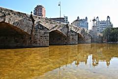 Puente del Mar - València (Kiko Colomer) Tags: francisco jose colomer pache kiko valencia valence turia rio jardin piedra plaza america centro ciudad historico cauce antiguo reflejo