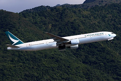 B-HNM, Boeing 777-300, Cathay Pacific, Hong Kong (ColinParker777) Tags: bhnm boeing 777 773 773a 777300 777367 airplane airliner plane aircraft aeroplane cathay pacific cpa cx airways airlines air departure takeoff fly flying flight climb hills trees green greenery jungle mountain hkg vhhh hong kong hksar chek lap kok airport canon 7d 7d2 7dmk2 7dmkii 7dii 200400 l lens zoom telephoto