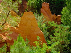 Le Sentier des Ocres (cosbrandt) Tags: gfx50s gf3264mm provence red ochre rocks colors vaucluse