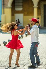 The Rhythm Of Cuba (TablinumCarlson) Tags: rhythm tanz tanzen dance dancing red rot schwung street streetphotography hinzufügen centro habana amerika america karibik caribbean sea gulf mexico atlantic ocean cuba republic antilles havanna havana vieja paar couple leica 90mm summicron leicam m240 m rythmus view blick augenkontakt eyescontact