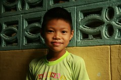 smiling boy (the foreign photographer - ฝรั่งถ่) Tags: smiling boy child khlong thanon portraits bangkhen bangkok thailand canon