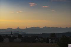 Kirchlindach Berge (auschmid) Tags: auschmid leicam10 aposummicron75 kirchlindach morgenstimmung wolken natur licht schatten silhouette aussicht