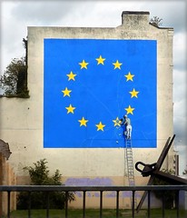 Brexit (wall painting, seen in Dover, UK) (ΞLLΞ∩) Tags: brexit uk united kingdom great britain dover wall painting eu yellow stars blue flag maual worker workman ladder leiter arbeiter anker anchor england house haus wand hauswand