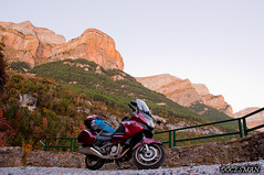 Ordesa, otoño (DOCESMAN) Tags: irineos pyrenees ordesa monteperdido montaña mountain moyo bike honda deauville otoño tozaldelmayo