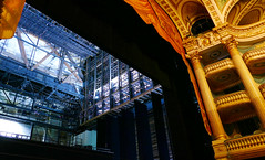While waiting for the tenor (Le.Patou) Tags: france bordeaux bacalan building opera theatre theater scene orchestra auditorium classic blue gold décor or scenery backstage stage balcon balcony j833334