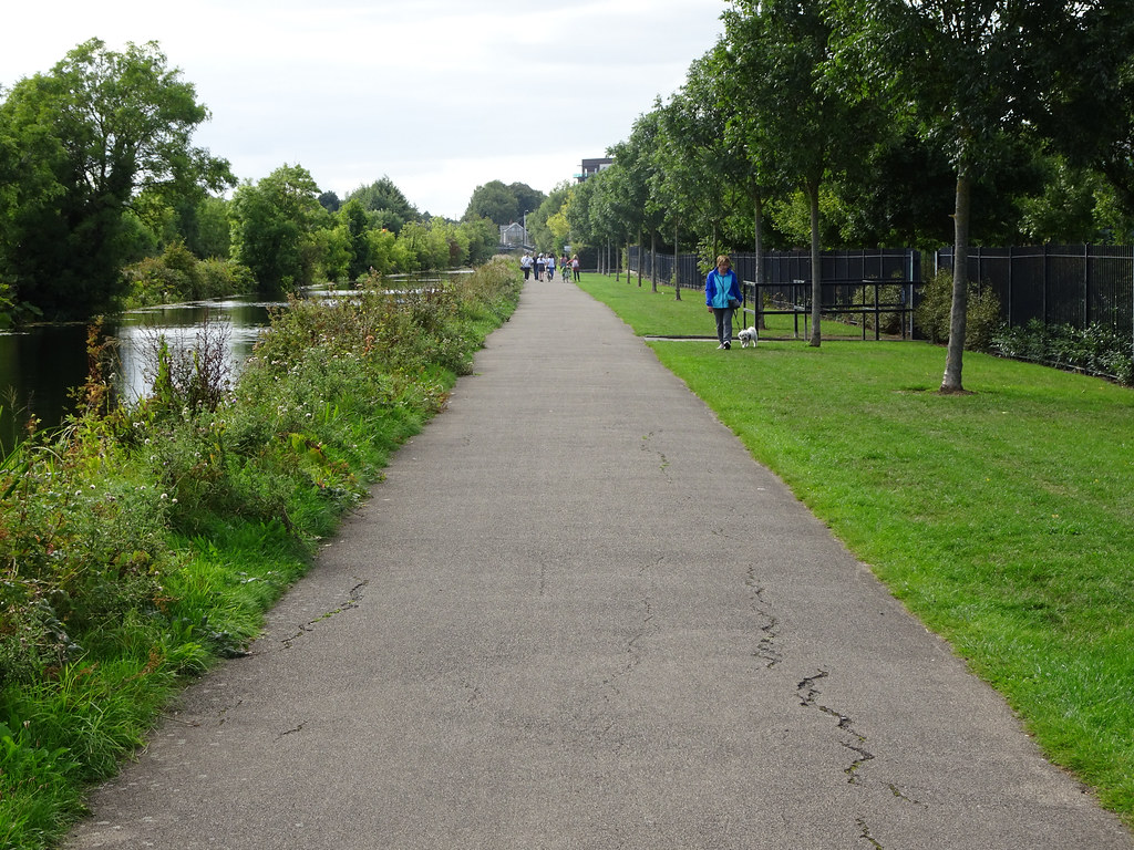 FROM REILLYS BRIDGE TO ASHTOWN ALONG THE ROYAL CANAL WAY [INCLUDING ROYAL CANAL PARK AND RATHBORNE]-143941