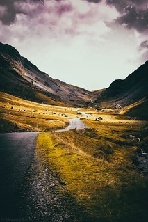 🌄Honister Pass🌄  This was taken a few weeks ago and was actually my first time going through the pass, it didn't disappoint. . . . .  #lakedistrict #photography #landscape