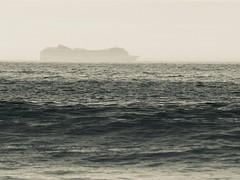 MSC MAGNIFICA (Anxo Becerra) Tags: msc cruises crucero buque barco mscmagnifica océano océanoatlántico blancoynegro blackandwhite byn bw bruma niebla