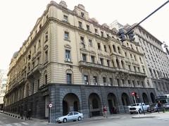 Esquina (carlos_ar2000) Tags: edificio building esquina corner calle street arquitectura architecture perspectiva perspective buenosaires argentina