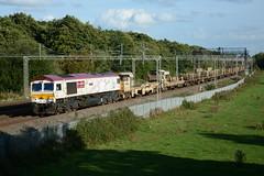 66721 Slindon 12/09/2018 (Brad Joyce 37) Tags: 66721 6k50 slindon staffordshire class66 freight locomotive gbrf train sunshine nikon d7100