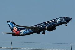 WestJet Airlines C-GWSZ (shumi2008) Tags: westjetairlines westjetairlines737 boeing738 b737800 waltdisney mickeymouse torontopearson pearsonairport yyz cyyz