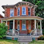 Paris Ontario - 83 Williams Street -  Heritage House - Italianate Architecture thumbnail