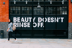 Believe in your beauty (lorenzoviolone) Tags: finepix fujixt20 fujifilm fujifilmxt20 xt20 mirrorless shoreditch london england unitedkingdom gb fav10