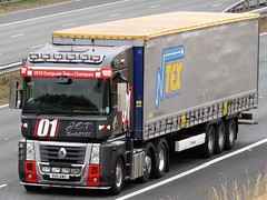 J E T Transport, Renault Magnum On A1M. (Gary Chatterton 5 million Views) Tags: jettransport renaultmagnum renault french customised transport wagon truck trucking lorry hgv heavygoodsvehicle explore flickr photography motorway canonpowershot 01
