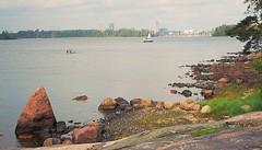 #lauttasaari #helsinki 8.9.2018 #seashore #finland (peltola.kristiina) Tags: lauttasaari helsinki seashore finland