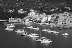Båtar (dese) Tags: boats dalmatia vis komiža july25 2018 july252018 europa adriahavet adriaticsea adriatic july juli summer sommar ferie croatia kroatia europe coast