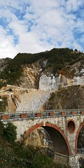 Carrara (Pierre MM) Tags: carrare marbre blanc carrières italie europe