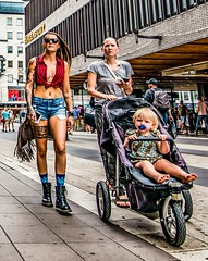 Sisters... (mikeback-streetphotography) Tags: streetstyle streetphotographer stockholm streetarteverywhere streetportrait streetphotographystreet streetlife streetartistry streetphotography street streetphotographers streetart color
