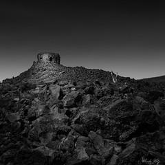At Dee Wright Observatory, Oregon (Masako Metz) Tags: deewrightobservatory oregon pacific northwest lava landscape blackandwhite monochrome places mckenziehwy shelter