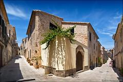 alcúdia (heavenuphere) Tags: alcúdia mallorca majorca balearicislands islasbaleares spain espana island europe old medieval town historic centre street 24105mm