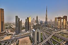 Dubai Downtown Sunset (Joao Eduardo Figueiredo) Tags: dubai downtown burj khalifa burjkhalifa shangrila hotel skyline united arab emirates unitedarabemirates uae nikon nikond850 joaofigueiredo joaoeduardofigueiredo d850 sunset buildings skyscrapers architecture