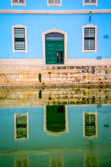 (Liane FKL) Tags: lisboa portugal lisbonne couleurs colors eau water façade fasad reflet reflection sea mer blue bleu door windows porte fenêtres vert green