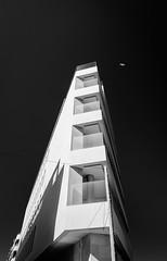(miguelangelmolp) Tags: tokina 16 16mm 1116 uga architecture arquitectura playa torrevieja blanco negro blancoynegro white black beach nikon nikkor d5100 5100