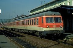 614 033  Schwandorf  15.10.90 (w. + h. brutzer) Tags: schwandorf eisenbahn eisenbahnen train trains railway deutschland germany triebwagen triebzug triebzüge zug vt 614 db webru analog nikon