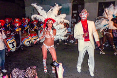2010-02-04 Desfile de Llamadas en Montevideo (36) - Desfile de Llamadas (Parade der Rufe), Karnevalsumzug in Montevideo, Uruguay (mike.bulter) Tags: karneval carnival umzug parade karnevalsumzug dance dancer desfiledellamadas frau man mann menschen montevideo people southamerica suedamerika taenzer tanz uruguay woman barriosur ury carnaval