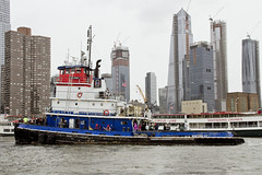 r_180909083_beat0075_a (Mitch Waxman) Tags: 2018greatnorthrivertugboatrace hudsonriver manhattan tugboat workingharborcommittee newyork