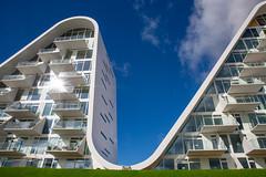 the wave II (Rasande Tyskar) Tags: bølgen the wave vejle denmark building gebäude architektur architecture futuristic futuristisch welle haus dänemark dk sky himmel curves gebogen kurven wellen