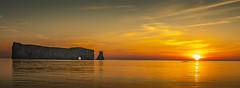 Lever de soleil Rocher Percé (Luc Jacob) Tags: gaspésie lieux nature vacance vacances villes voyage voyages