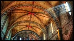 Rayons de lumière (Jean-Louis DUMAS) Tags: prière deus dieu méditation église voutes hdr lumière