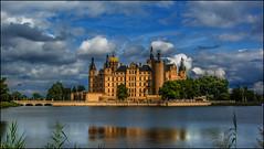 Schwerin (angelofruhr) Tags: schloss schwerin mecklenburg deutschland landeshauptstadt refexion reflections wolken germany