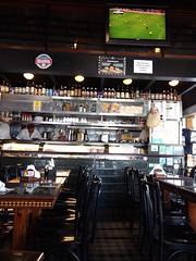 uma cerveja, por favor! (lucia yunes) Tags: bar bares botequim boteco cerveja beer mobilephoto mobilephotographie motozplay luciayunes streetscene streetphotography streetphoto streetlife lifestreet
