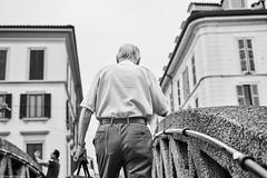 Mailand Street Backshot 8 bw (rainerneumann831) Tags: bw blackwhite street streetscene ©rainerneumann urban monochrome candid city streetphotography blackandwhite mann backshot milano mailand