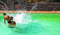 Splash... PSP**** (Isa****) Tags: splash piscine swimming pool homme man garçon boy children eau water gouttes waterdroplets été summer la bastide pyrénéesorientales france