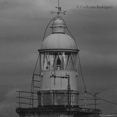 Faro de la Cerda (guillecantabria) Tags: sea mar santander fotografia blancoynegro blackandwhite nortedeespaña landscapephotography cantabria penínsuladelamagdalena lighthouse faro bahíadesantander