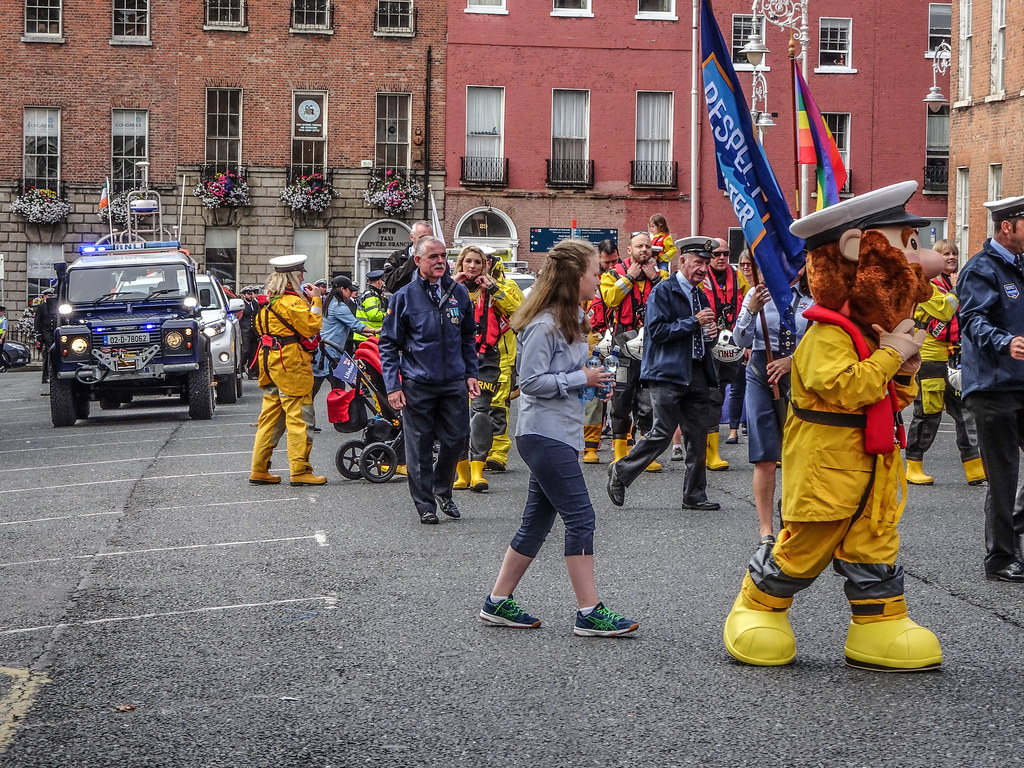 NATIONAL SERVICES DAY [PARADE STARTED OFF FROM NORTH PARNELL SQUARE]-143567