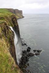 Isle of Skye: Kilt Rock and Mealt Falls Viewpoint (Helgoland01) Tags: skye schottland scotland westernisles atlantik atlantic felsen rock waterfall wasserfall