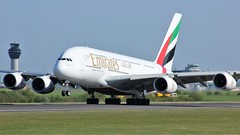 A6-EOS (AnDyMHoLdEn) Tags: emirates a380 egcc airport manchester manchesterairport 23l