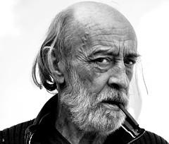 _DSC0595 - Gégé (Le To) Tags: nikond5000 noiretblanc nerosubianco bw monochrome portrait ritratto homme barbe cigare regard