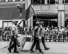 New York Life (street photo ny) Tags: street photography nikon nikousa black white manhattan broadway new york 28300 mm d7200 fotografia blanco y negro fotos callejeras candid