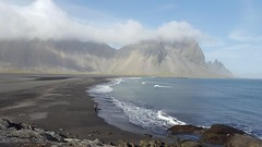 The lonely photographer (navarrobi) Tags: playa fotógrafo seaside blacksands takingphotos photographer